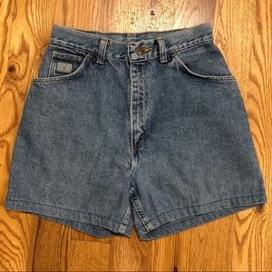 Vintage Wrangler high waisted mom jeans shorts
